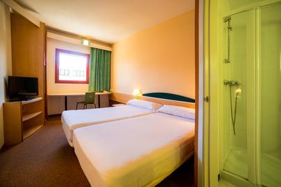 HOTEL IRIS - Hotel cerca del Plaza de Toros de Guadalajara