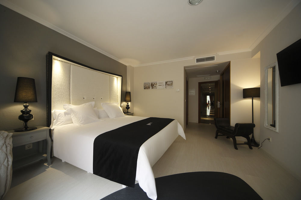CAPITOL BOUTIQUE HOTEL - Hotel cerca del Aeropuerto de Santiago de Compostela Lavacolla