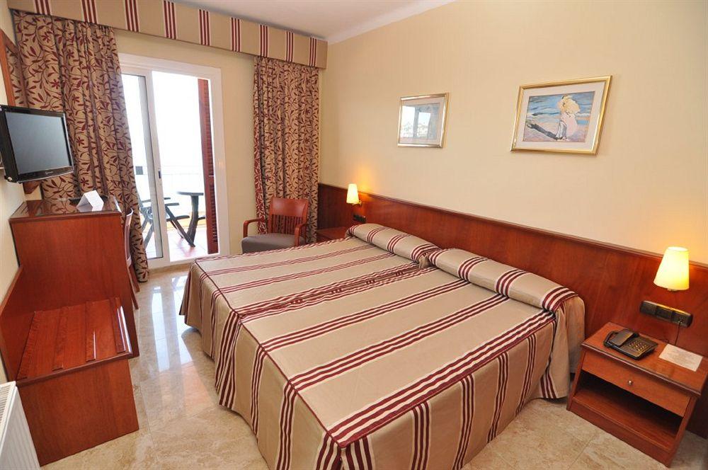 MONTECARLO HOTEL - Hotel cerca del Parque Natural de Aiguamolls de l'Empordà