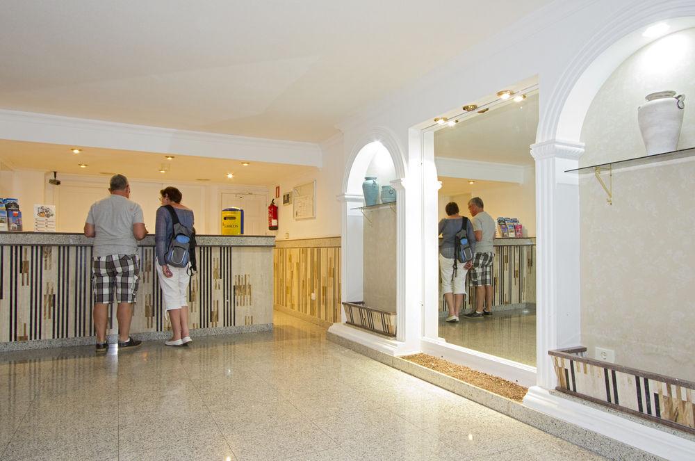 EREZA APARTAMENTOS LOS HIBISCOS - Hotel cerca del Lanzarote Golf