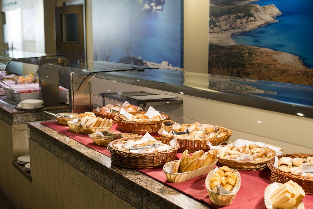HELIOS APARTAMENTOS - Hotel cerca del Aeropuerto de Palma de Mallorca Son Sant Joan