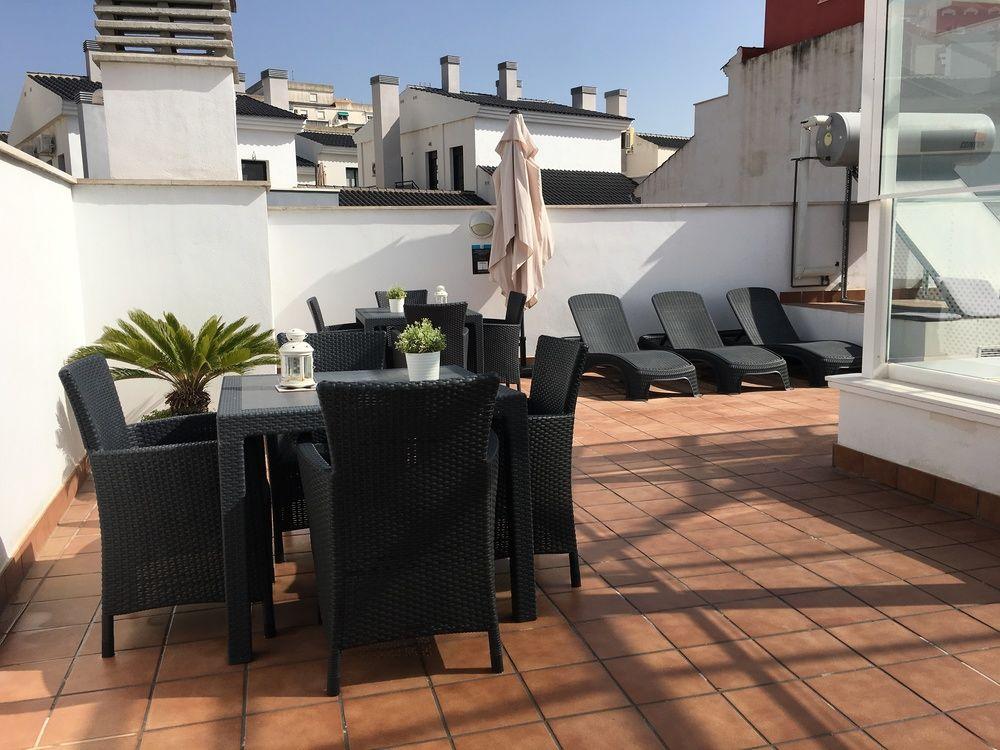 SUITES DEL PINTOR APARTAMENTOS - Hotel cerca del Jardín Botánico-Histórico Parque de la Concepción