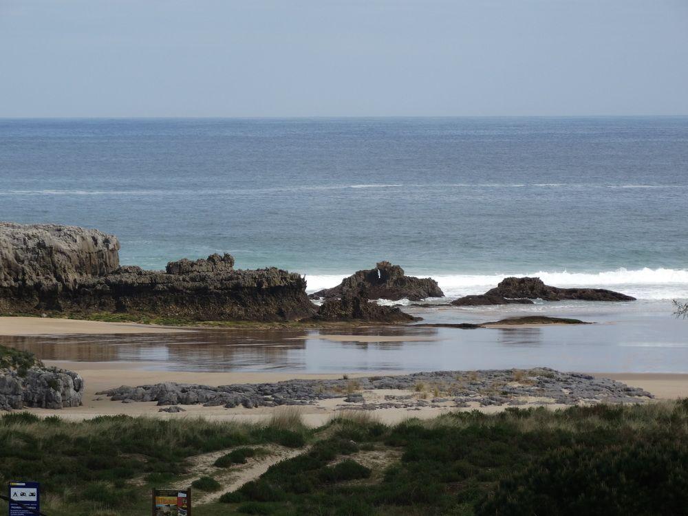 LOS JUNCOS - Hotel cerca del Playa de Berria