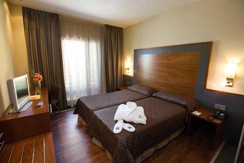 F AND G LOGROÑO - Hotel cerca del Aeropuerto de Logroño - Agoncillo