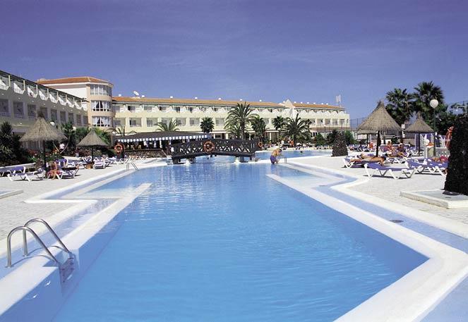 APARTAMENTOS COSTA TROPICAL - Hotel cerca del Aeropuerto de Fuerteventura
