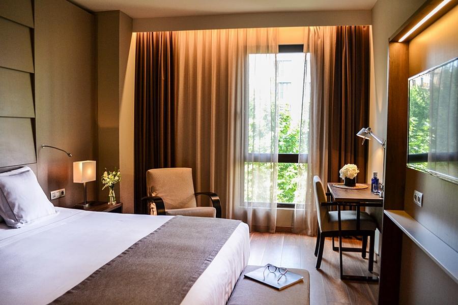 AMERICA - Hotel cerca del Bravas en el Bohemic
