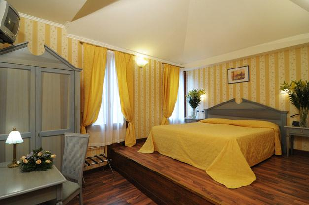 http://www.hotelresb2b.com/images/hoteles/116171_fotpe1_HABITACION2OK33.JPG