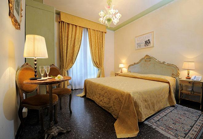 http://www.hotelresb2b.com/images/hoteles/120131_fotpe1_HABITACION5OKOK11.JPG