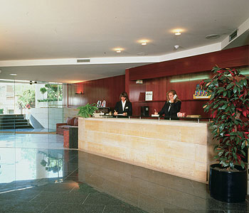 http://www.hotelresb2b.com/images/hoteles/120726_fotpe1_image_hall_reception.jpg
