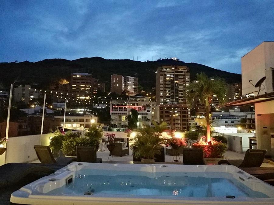 Hotel Aqua Granada Cali