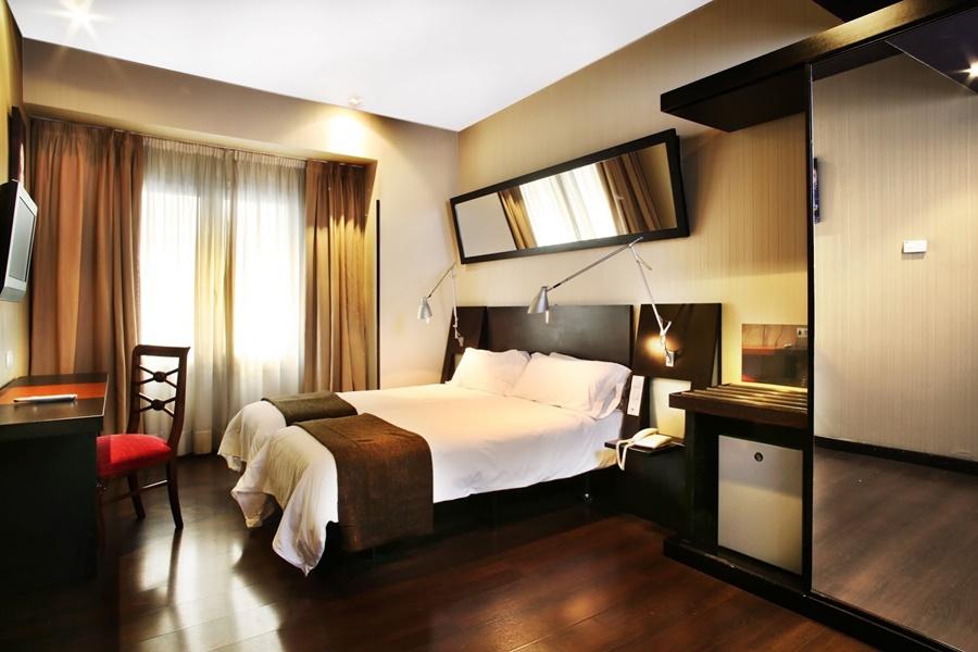 AVENIDA GRAN VIA - Hotel cerca del Sala Berlanga