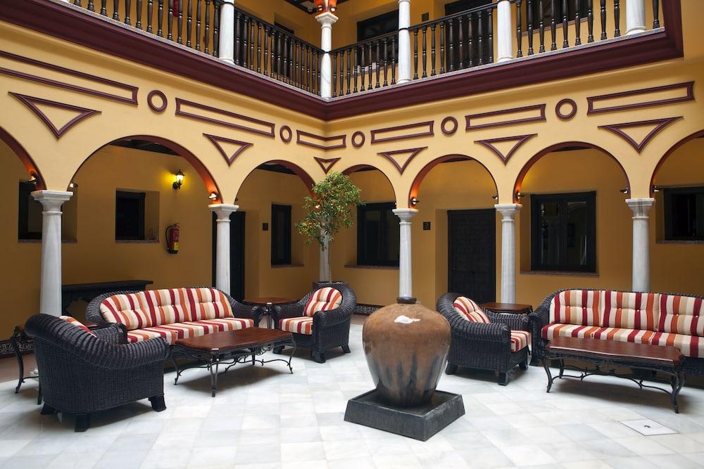 ITACA SEVILLA - Hotel cerca del Bar-Coctelería Garlochí