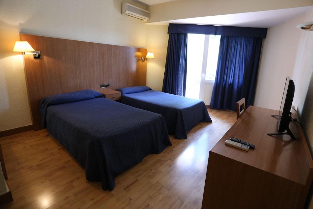 EL CISNE - Hotel cerca del Real Aeroclub de Zaragoza