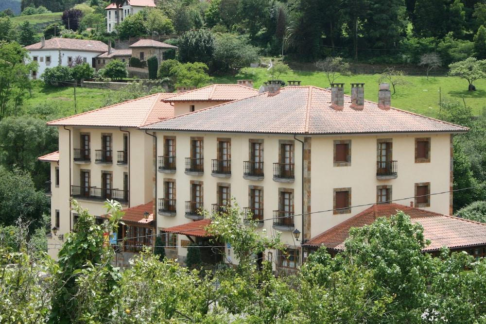 HOTEL VALLE LAS LUIÑAS - Hotel cerca del Aeropuerto de Asturias