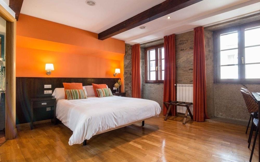 HOTEL ALDA ALGALIA - Hotel cerca del Aeropuerto de Santiago de Compostela Lavacolla