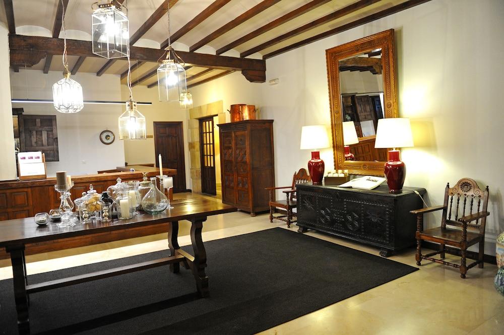 PARADOR DE SANTILLANA DEL MAR - Hotel cerca del Cueva de Altamira