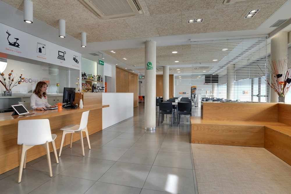 BED4U PAMPLONA - Hotel cerca del Estadio Reyno de Navarra