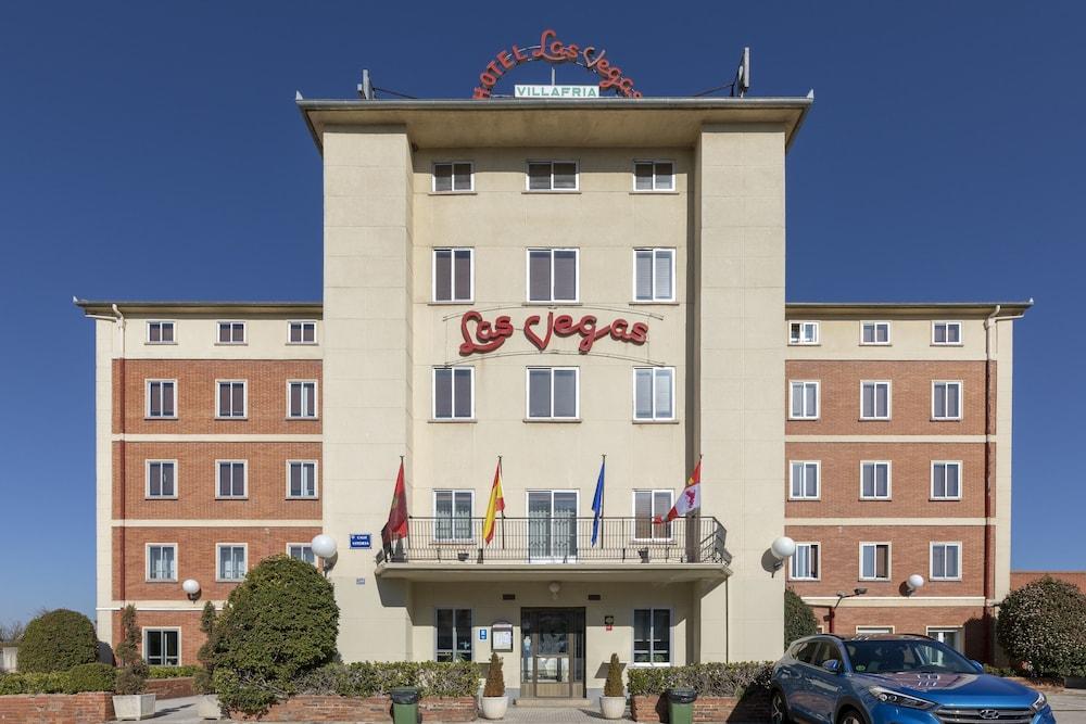 OYO LAS VEGAS - Hotel cerca del Aeropuerto de Burgos Villafria