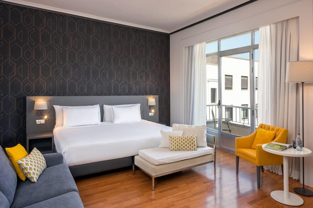 PLAZA ESPANA MANAGED BY MELIA - Hotel cerca del Restaurante Crucina