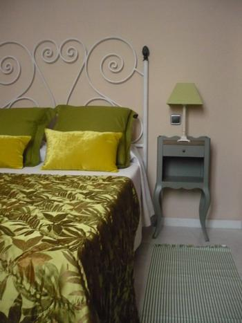 http://www.hotelresb2b.com/images/hoteles/132212_foto1_HABITACION1OKOK11.JPG