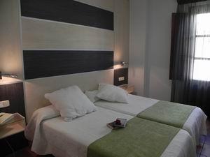 LAS NIEVES - Hotel cerca del Estadio de Los Cármenes