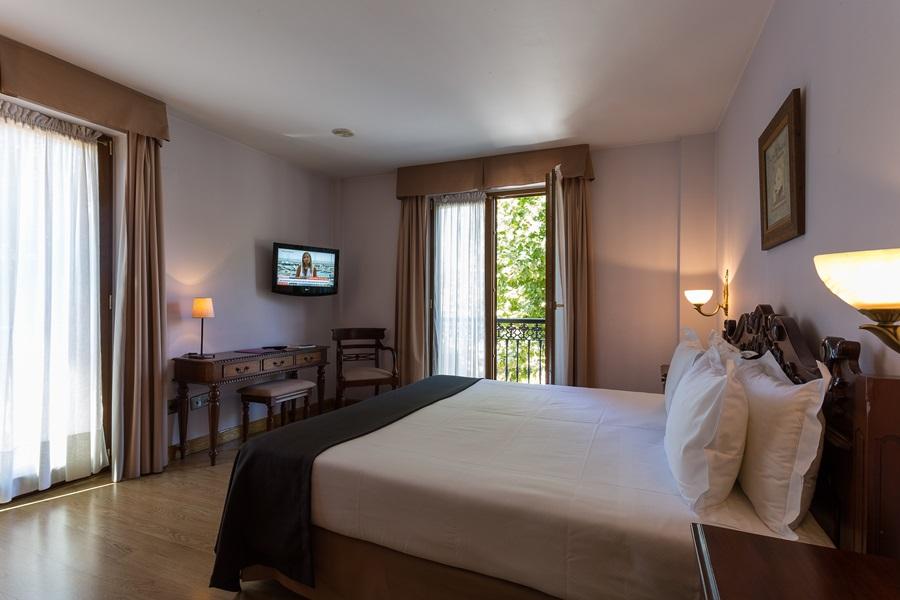AYRE HOTEL ALFONSO II - Hotel cerca del Santa María del Naranco