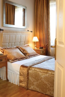 http://www.hotelresb2b.com/images/hoteles/136823_foto_3.JPG