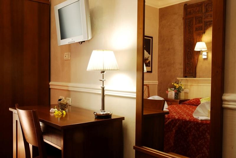http://www.hotelresb2b.com/images/hoteles/13877_foto1_2_Room.JPG