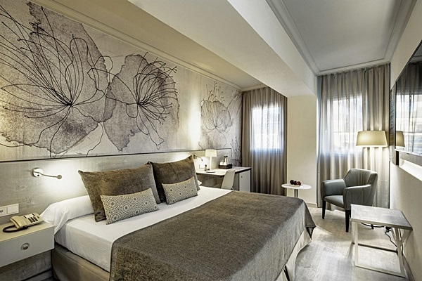 SALLES HOTEL PERE IV - Hotel cerca del Restaurante Hare Krishna Govinda