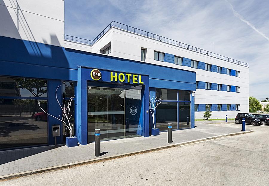 Hotel en madrid b b hotel las rozas de madrid las rozas de - Hotel las rosas madrid ...