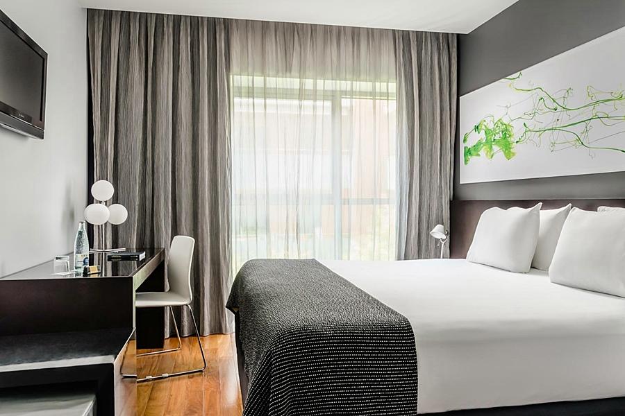 EUROSTARS LEX - Hotel cerca del Bravas en el Bohemic