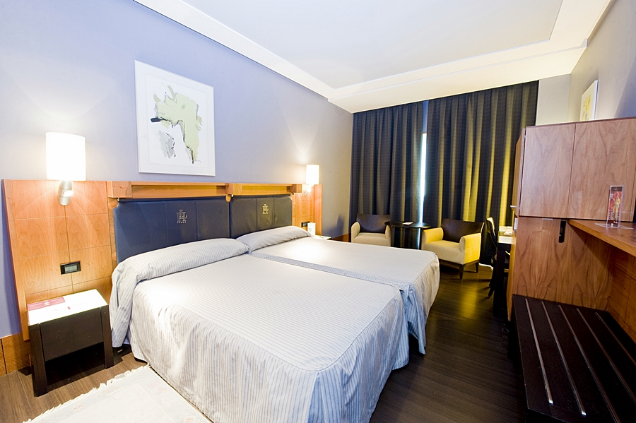 GRAN HOTEL LAKUA - Hotel cerca del Aeropuerto de Vitoria Foronda
