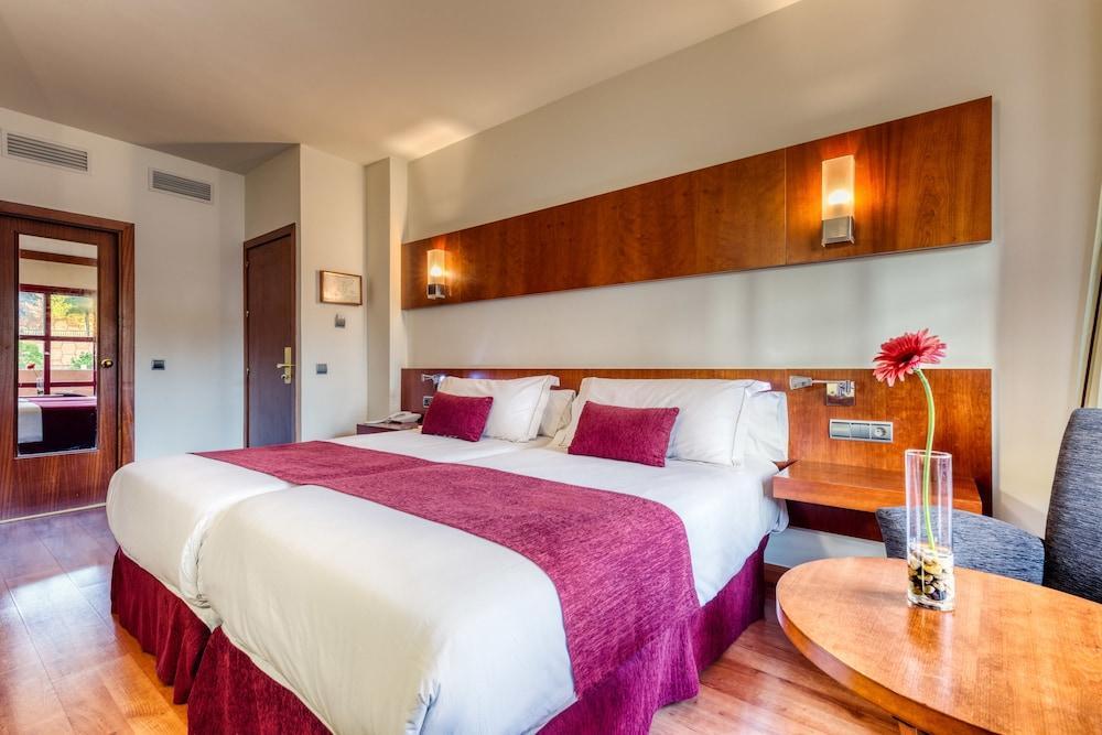 SENATOR HUELVA - Hotel cerca del Estadio Nuevo Colombino