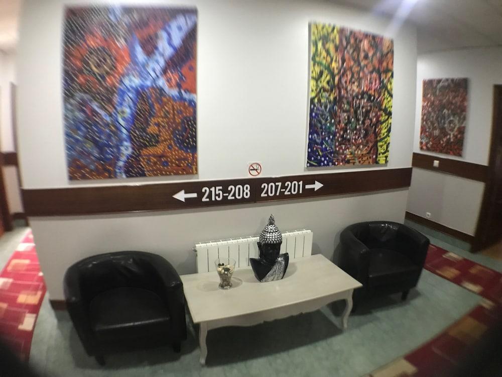 PENSION LA SALVE - Hotel cerca del Club de Campo Laukariz