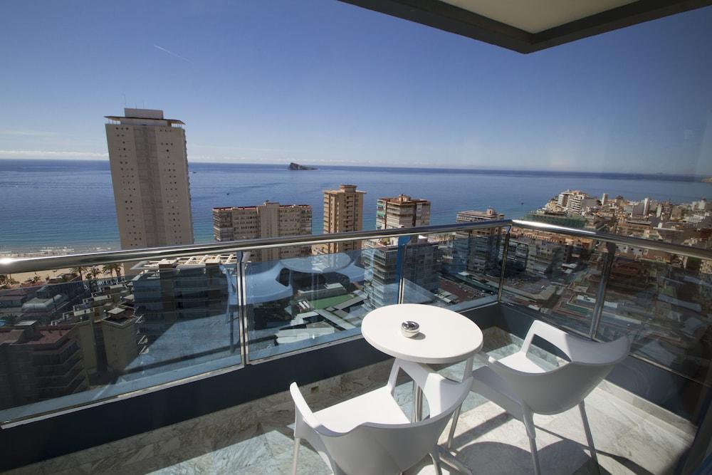 MADEIRA CENTRO - Hotel cerca del Playa de Levante de Benidorm