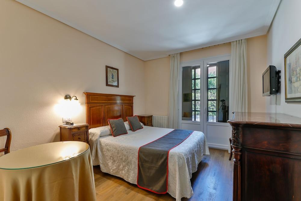 OYO HOTEL SANTILLANA - Hotel cerca del Cueva de Altamira