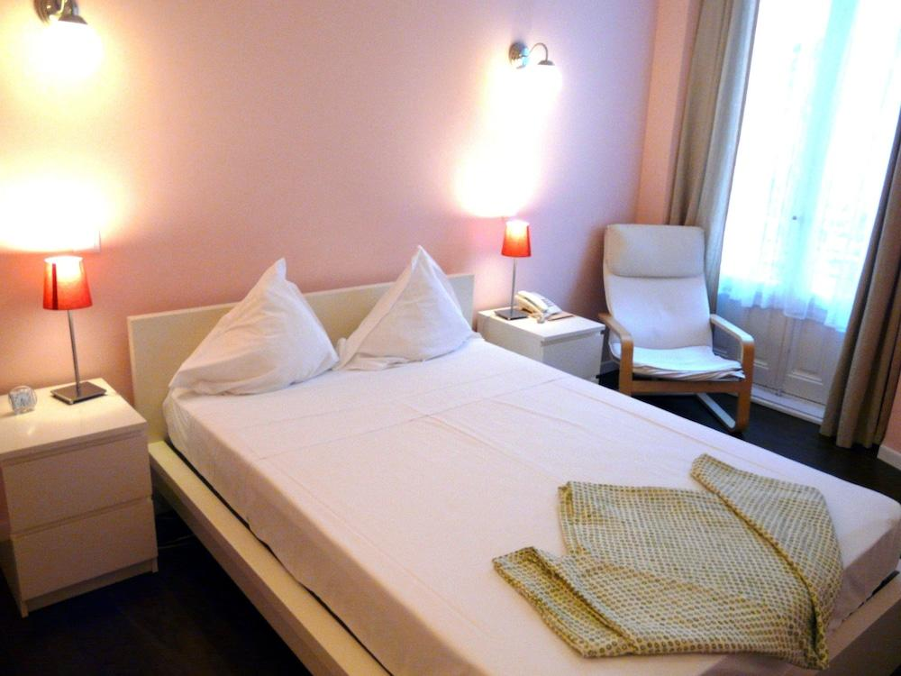HOSTAL PIZARRO - Hotel cerca del Restaurante Crucina