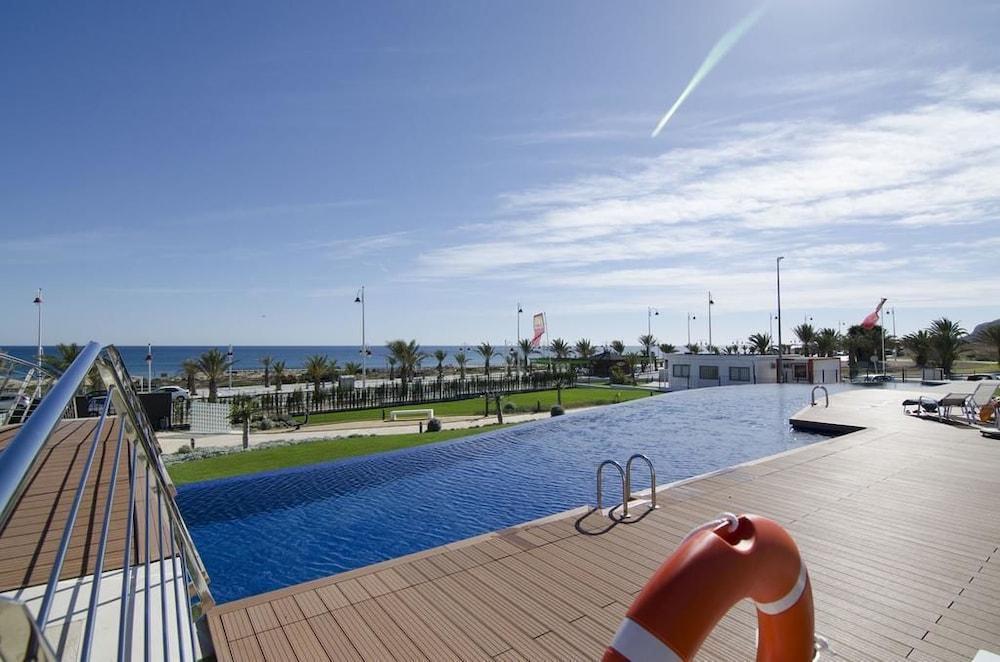 Hotel Ocean View Apartments - Marholidays