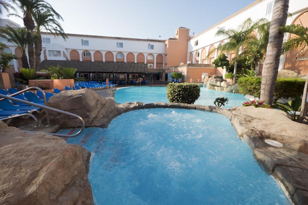 DIVERHOTEL NAUTILUS ROQUETAS - Hotel cerca del Club de Golf Playa Serena
