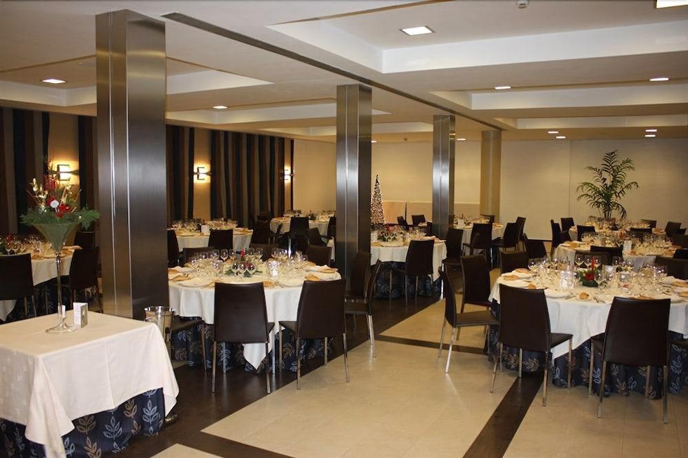 TORREMANGANA - Hotel cerca del Villar de Olalla Golf