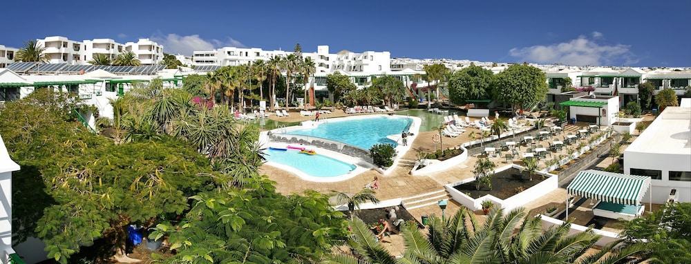 HG LOMO BLANCO APARTAMENTOS - Hotel cerca del Lanzarote Golf