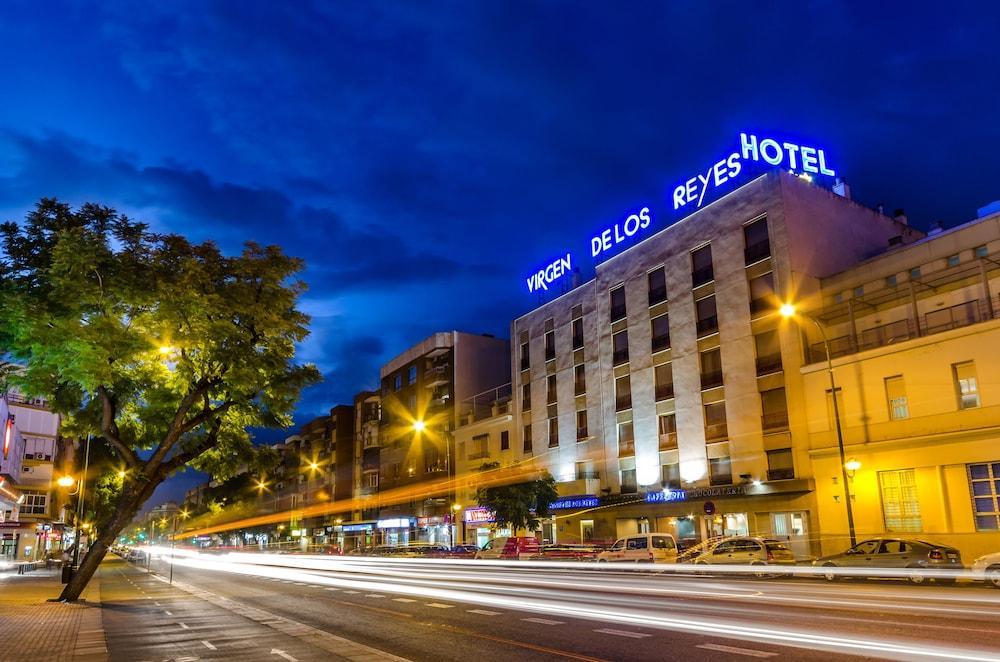 VIRGEN DE LOS REYES - Hotel cerca del Aeropuerto de Sevilla San Pablo