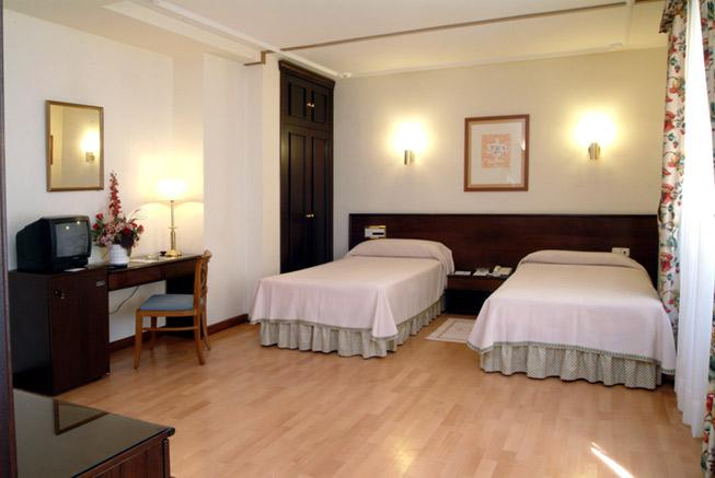 CASTILLA VIEJA - Hotel cerca del Plaza de Toros de Palencia