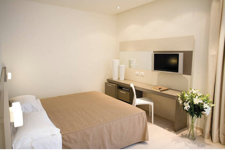 http://www.hotelresb2b.com/images/hoteles/160699_foto1_bj89.jpg