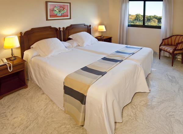 APARTHOTEL CONVENCION BARAJAS - Hotel cerca del Estadio de la Peineta