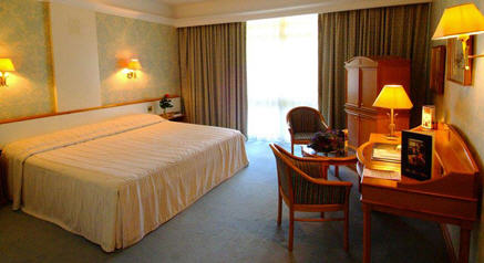 http://www.hotelresb2b.com/images/hoteles/176803_foto1_3.jpg
