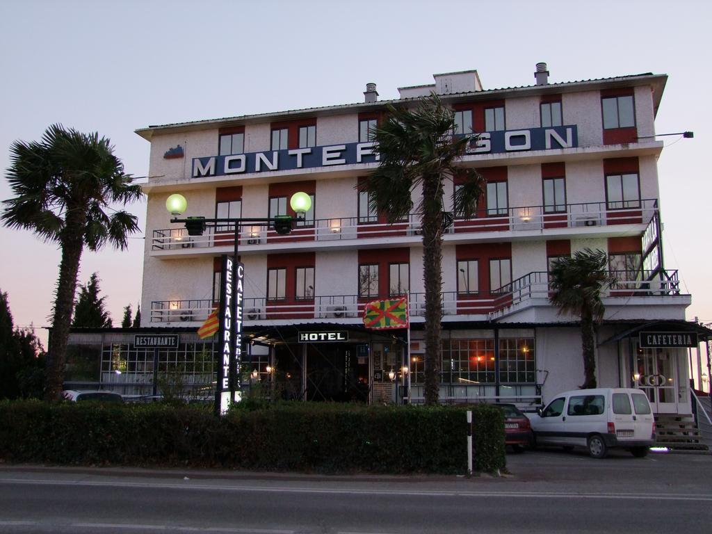 OYO HOTEL MONTEARAGON - Hotel cerca del Estadio El Alcoraz