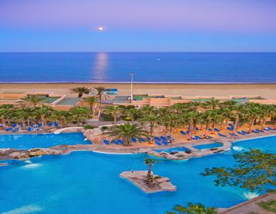 Hotel playacapricho en roquetas de mar for Piscinas almeria