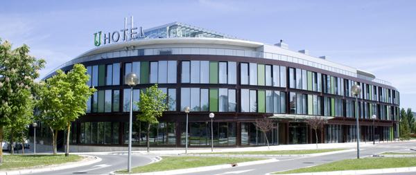 JARDINES DE ULETA APARTHOTEL - Hotel cerca del Aeropuerto de Vitoria Foronda