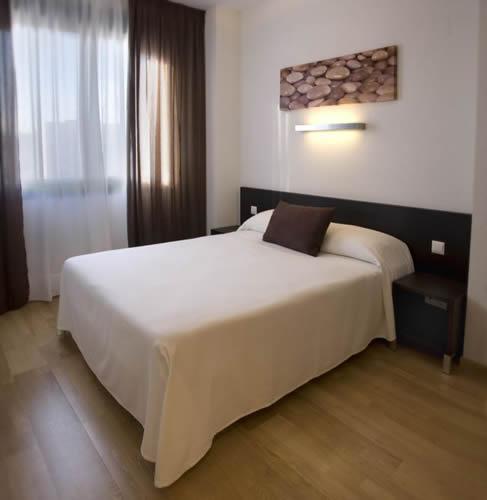 APARTHOTEL COMPOSTELA SUITES MADRID - Hotel cerca del Estadio de la Peineta
